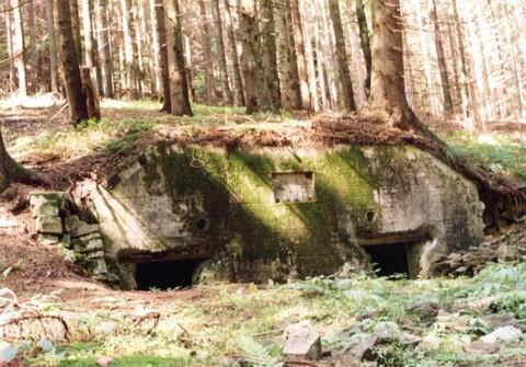 Az Árpád-vonal egy bunkere