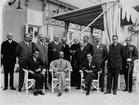 Az utolsó előtti Bethlen-kormány (forrás: mek.niif.hu)