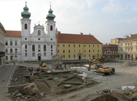 Feltárási munkálatok Győr főterén