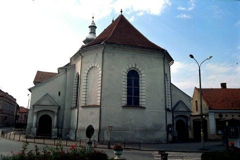 A kézdivásárhelyi református templom (forrás: erfatur.com)