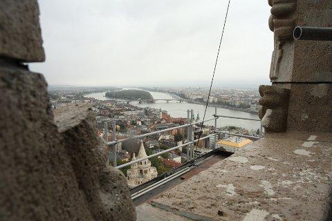 kilátás a Mátyás-templom tetejéről