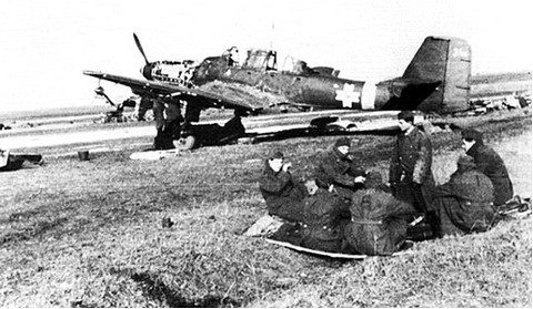A román Ju-87-es a kényszerleszállás másnapján (forrás: honvedelem.hu)