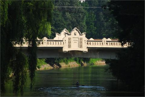 A temesvári Ligeti-híd - nemsokára látványos díszkiválításban is meg lehet csodálni