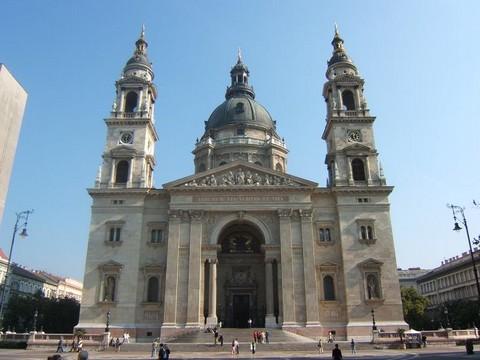 A Szent István Bazilika Budapest belvárosában - itt kerül sor vasárnap az emlékmisére