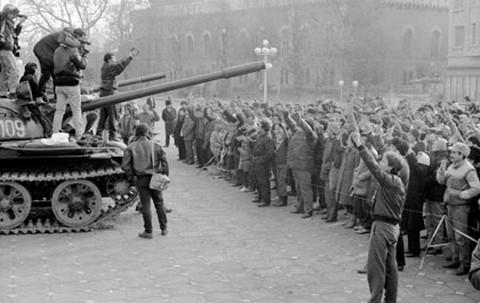 Forradalmi tömeg 1989. december 17-én Temesváron