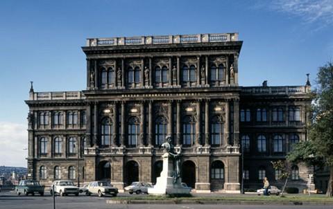 A Magyar Tudományos Akadémia épülete - itt rendezik a konferenciát