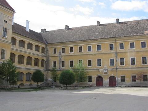 A Nagyenyedi Református Kollégium belső udvara