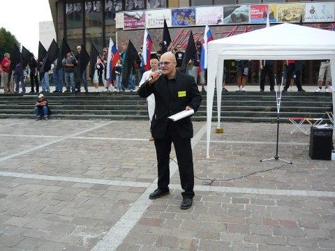 Radovan Novotný az NSS képviseletében beszél Szentmihályfalván