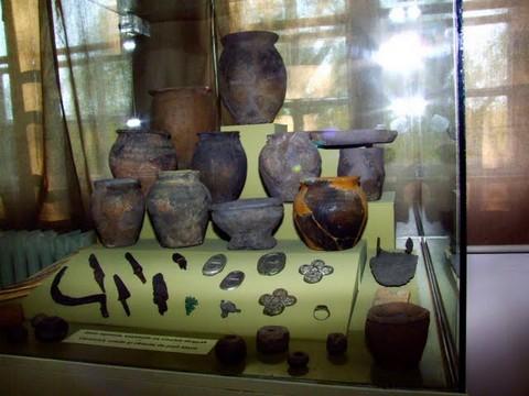 Kiállítási tárgyak a Székely Nemzeti Múzeum állandó kiállításán