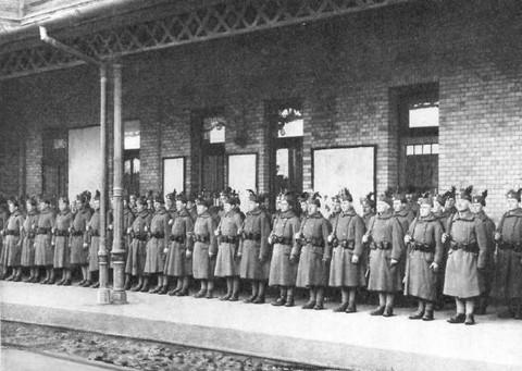 A Magyar Királyság utolsó honvédői, a Székely Hadosztály hős katonái egykorú felvételen