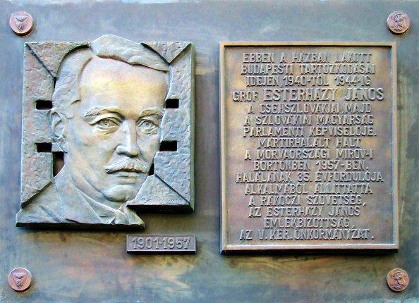 Esterházy János emléktáblája Budapesten (V. ker. Szép utca 3.)
