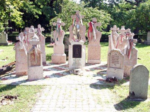 emlékmű a Kerepesi temető 21-es parcellájánál