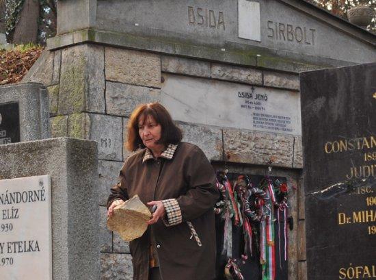Tőkés Erzsébet, Házsongárd Alapítvány elnöke a hatóságok segítségére számít a sírgyalázások megállításában