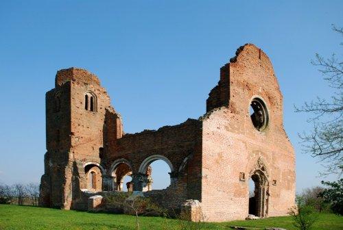 az aracsi templomrom (fotó: panoramio.com)