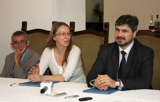 Varga László, Mikó Zsuzsanna és Dorin Dobrincu (fotó: Kovácsics Judit, Transindex)