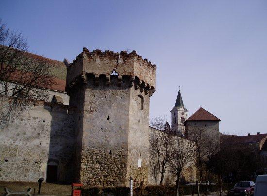 a nagyenyedi vár (fotó: Kolumbán Zoltán, panoramio.com)