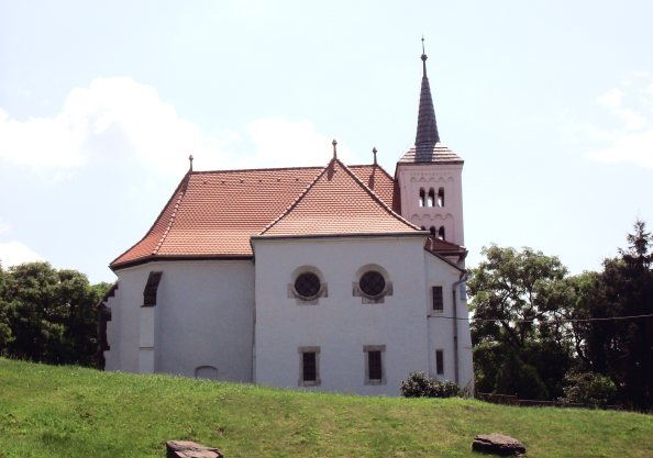 a bodrogszentesi templom (fotó: wikimedia.org)