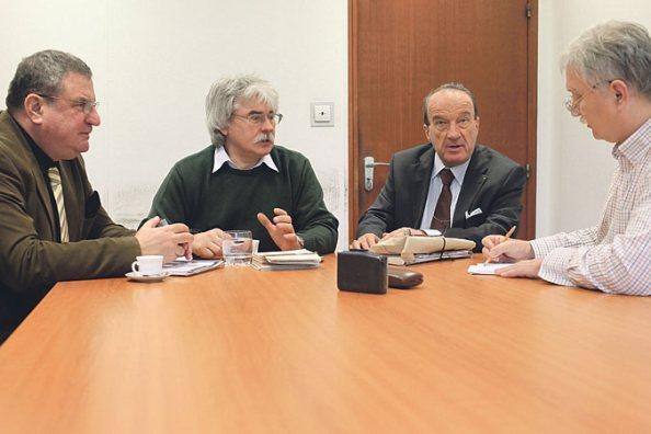Akik beszélgettek (balról): Hautzinger Gyula, Szakály Sándor, Galli István és Sinkovics Ferenc. (fotó: Horváth Péter Gyula, MH)