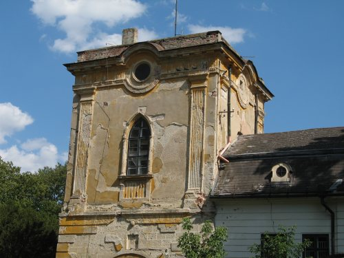 a gyulai Wenckheim–Almásy-kastély (fotó: Tokai Attila, panoramio.com)