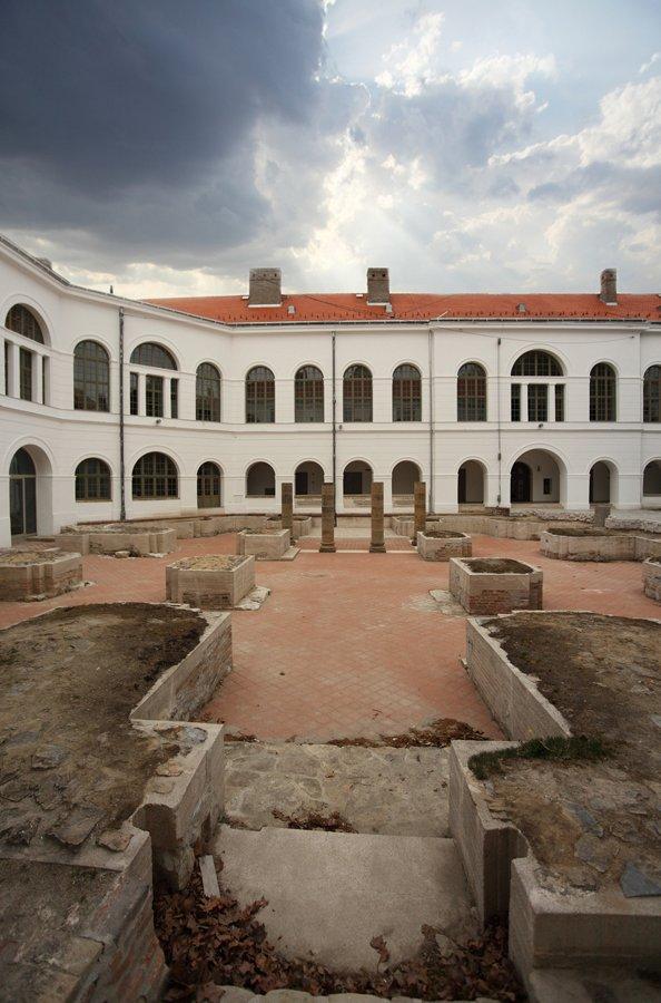 szekszárdi vármegyeháza