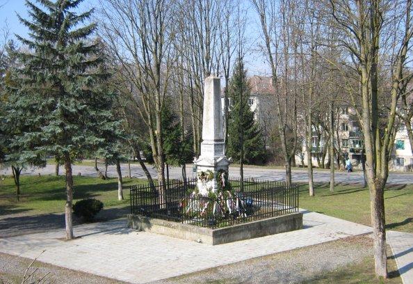 A székely vértanúk emlékműve Marosvásárhelyen (forrás: wikipedia.org)