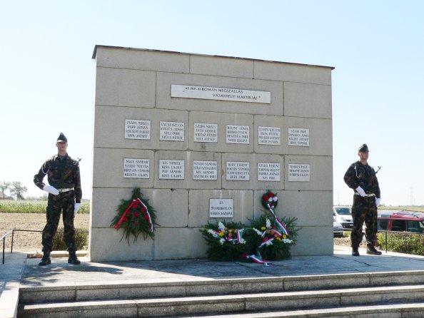 A Kutasi úti emlékmű Hódmezővásárhely határában (fotó: Nagy Magyarország)