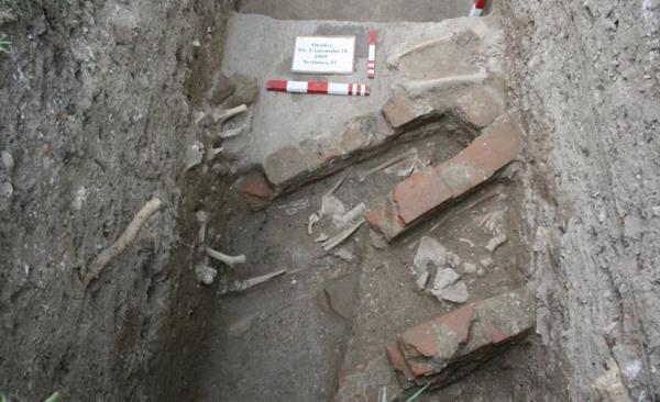 ásatás a váradhegyfoki kolostor helyén
