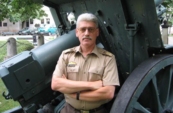 dr. Ravasz István alezredes