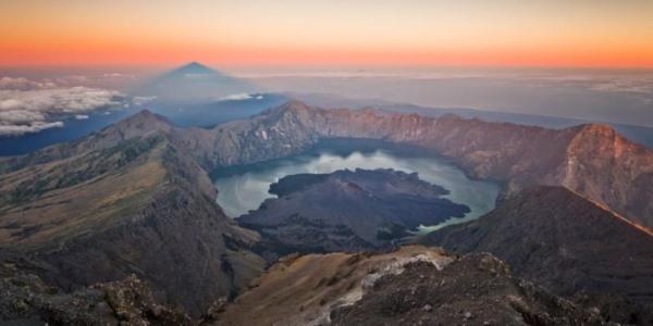 A Segara Anak krátertó a Samalason (fotó: intisari-online.com)